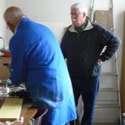 Gérard supervisant Le président